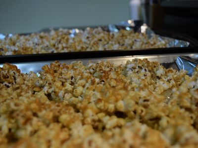 Healthy Sweet and Salty Popcorn