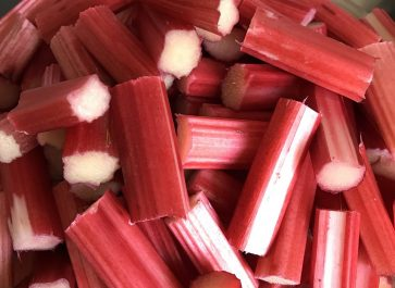 Strawberry with rhubarb and mint - what a lovely combination - red, ripe strawberries, tart rhubarb, and mint. This makes a great topping for oatmeal, yogurt, ice-cream, cake, or as part of a strawberry-rhubarb cobbler or crisp.