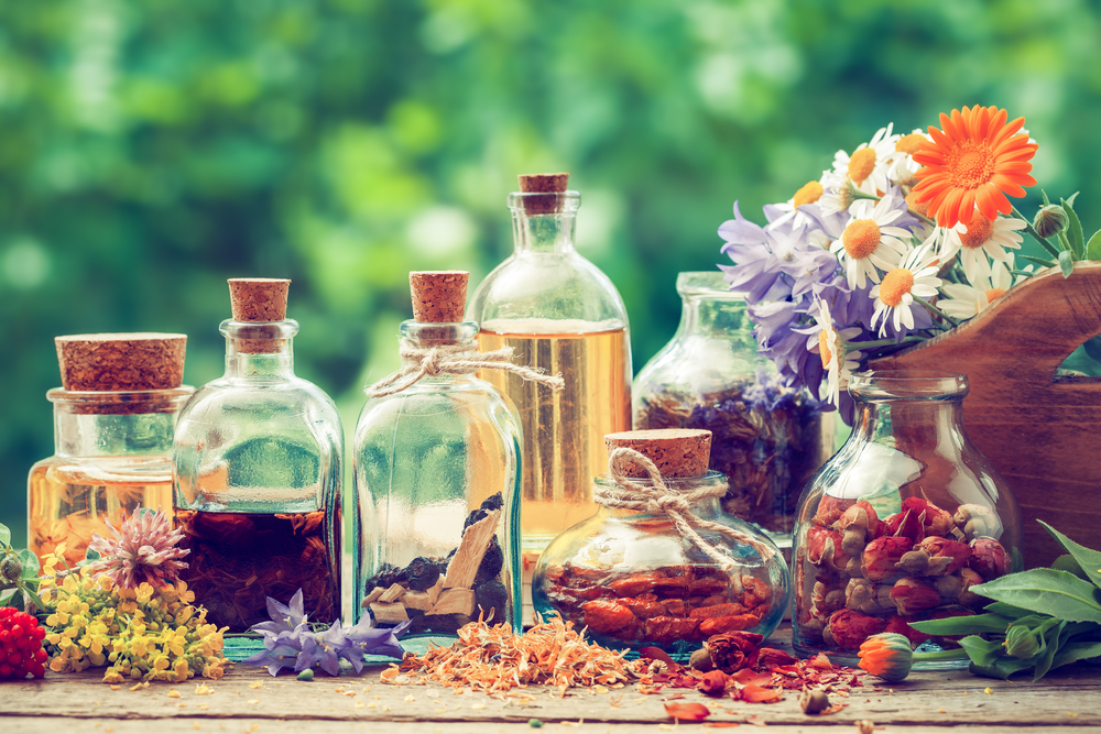 Relieve stress and anxiety naturally - make your own stress relief tincture with these all natural stress relieving herbs.