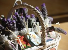 Homemade herbal gifts are a delightful way to share our love for everything herbal. Instead of joining the holiday shopping rush, we can take the time to slow down and enjoy the creative process of making simple gifts for those we love. Homemadeherbal gifts for friends and family are a great way to spread love and good health. Enjoy this list of 20 inspiring ideas for the holidays.