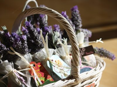 Homemade Herbal Gifts – 25 Inspiring Ideas for the Holidays